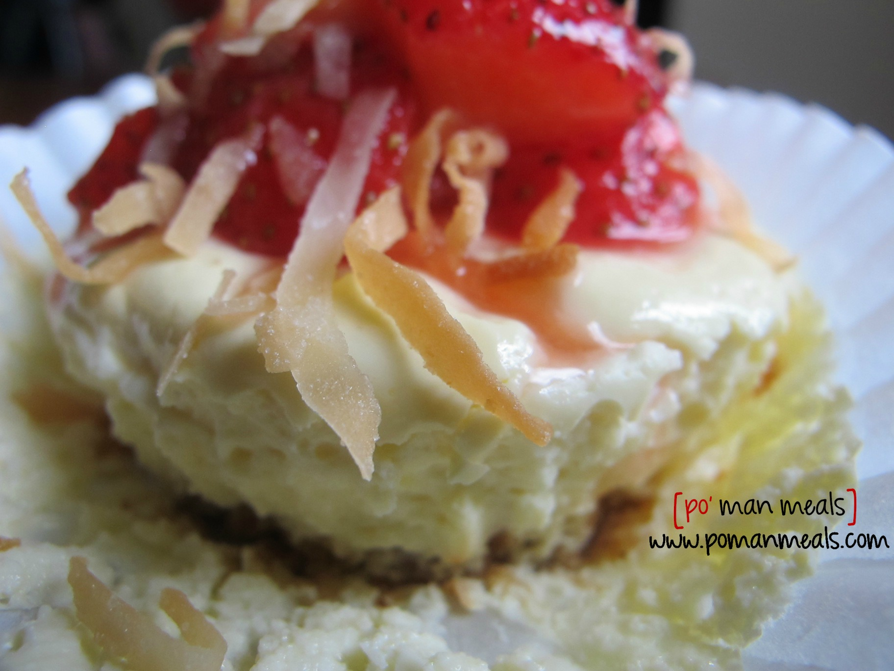 po' man meals - low calorie strawberry coconut mini cheesecakes